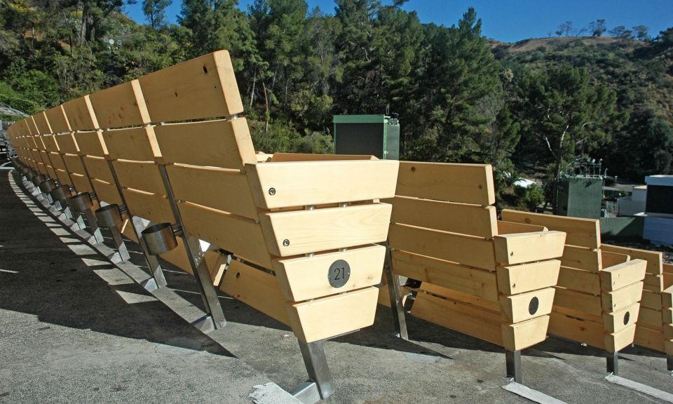 Model VW by Series Seating, Pew section has 3 seats, the end panels are white with black accents